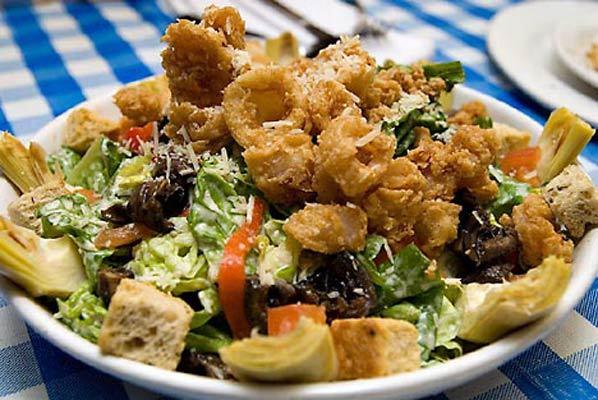 Салат с грудинкой и шампиньонами