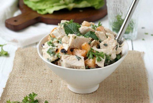 Салат с грибами и курицей кукурузой слоями