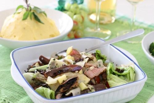 Салат из свинины и грибов